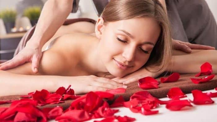 Bạn có thể thực hiện cách massage kích dục cho nữ ở bất kỳ một vị trí nào mà người nữ thấy thoải mái nhất