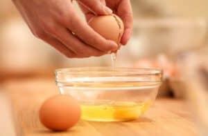 Cách kích thích vòng 1 phát triển bằng trứng gà