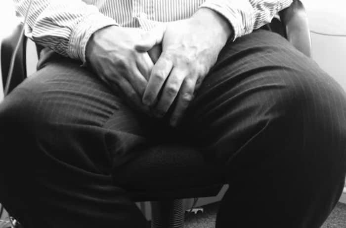 Dương vật đau buốt sau xuất tinh là triệu chứng bệnh nhiễm trùng đường tiết niệu