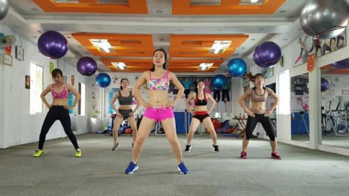 Luyện tập thể dục thể thao hàng ngày để kích thích trứng rụng sớm
