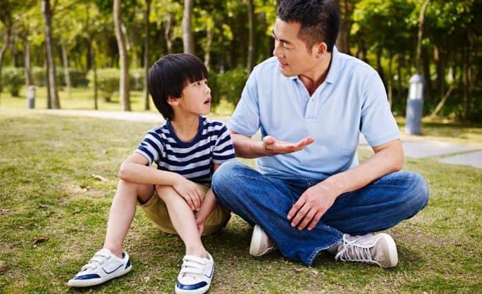 Trò chuyện cùng gia đình để giảm căng thẳng